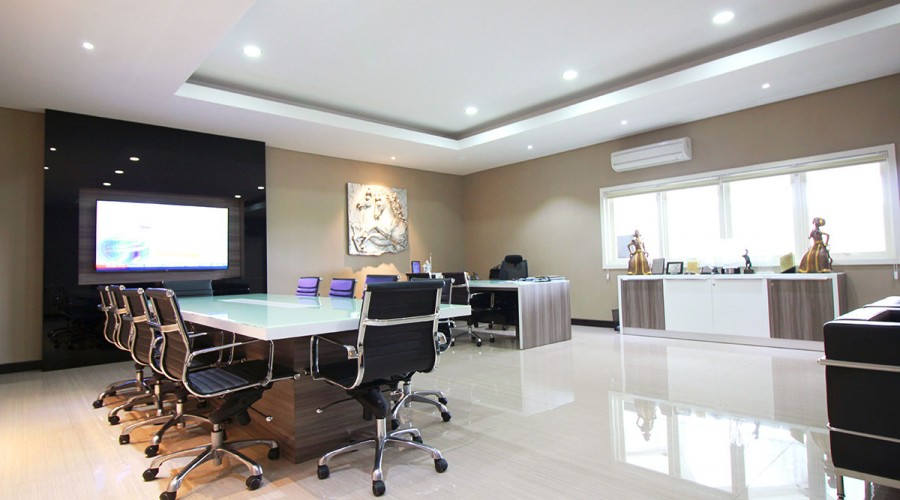 Director office furniture surabaya